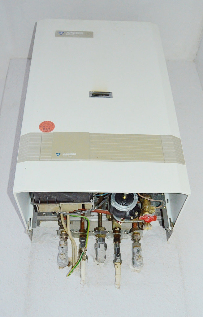 signs-water-heater-about-to-break